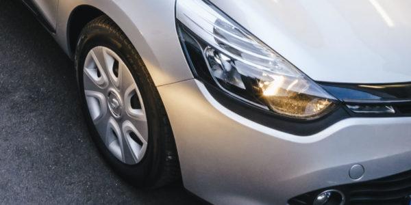 Renault-Lichttest-Reifenwechsel